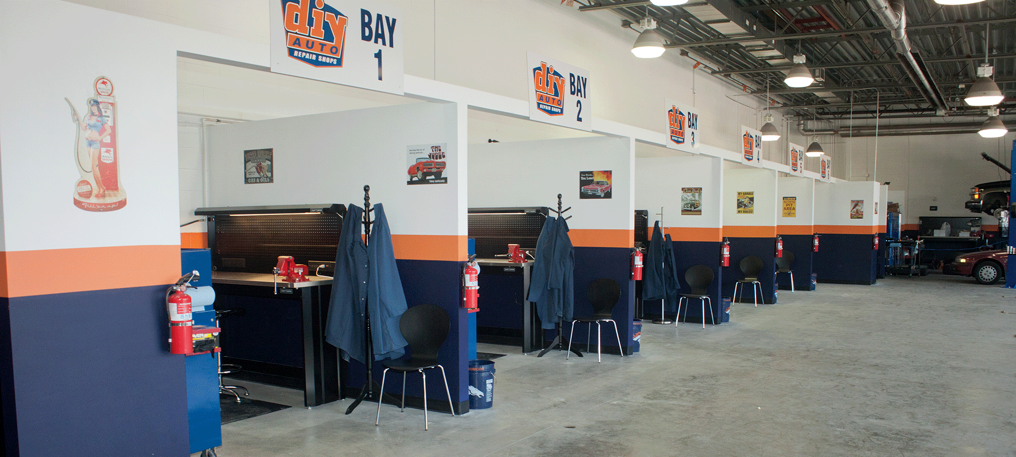 Diy auto repair shops equipped self service garage bays open weekends solutioingenieria Gallery