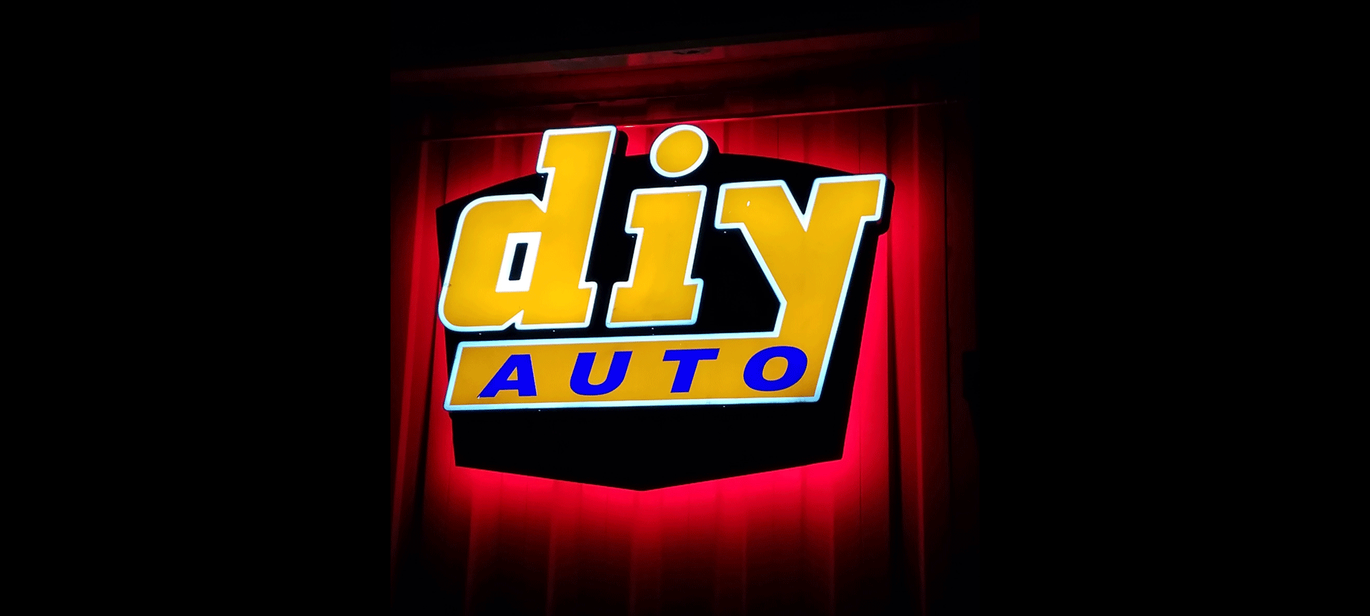Diy auto repair shops equipped self service garage bays open weekends solutioingenieria Images