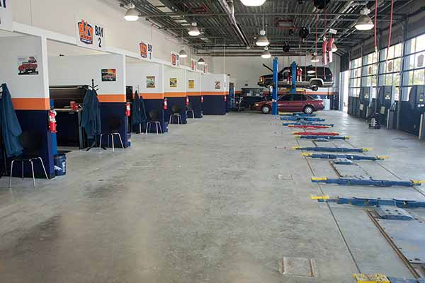 View pictures of do it yourself auto repair shops solutioingenieria Image collections