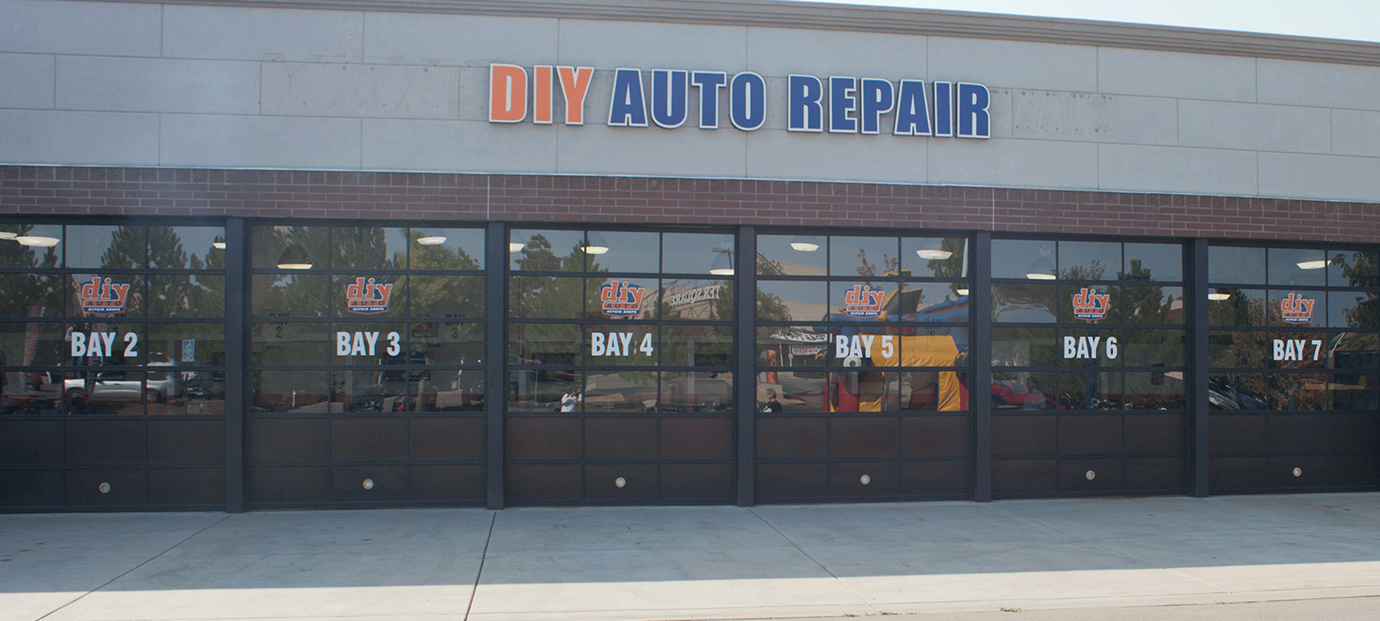 Diy auto repair shops equipped self service garage bays diy auto repair bays for rent solutioingenieria Gallery